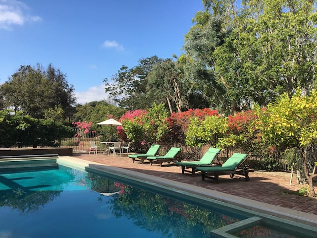 Beverly HIlls Estate Guesthouse with Pool
