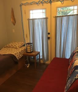 Charming Bungalow, Garden Sanctuary - Bellingham - Bed & Breakfast