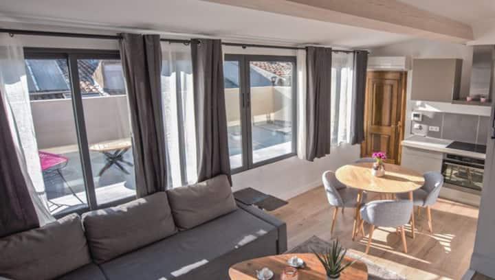 Splendide studio avec terrasse plein centre d'Aix