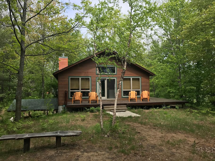 Betsie river lodge book early for ski season cabins for Crystal mountain cabin rentals