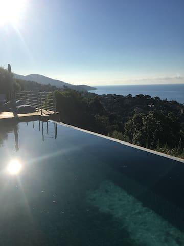 Villa rénovée cap negre vue panoramique mer