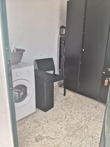 Habitación de lavado y plancha.