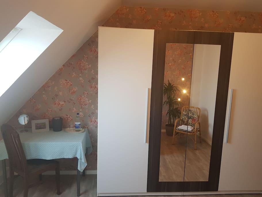 gem tliches landhauszimmer nahe steinhude h user zur miete in wunstorf niedersachsen deutschland. Black Bedroom Furniture Sets. Home Design Ideas