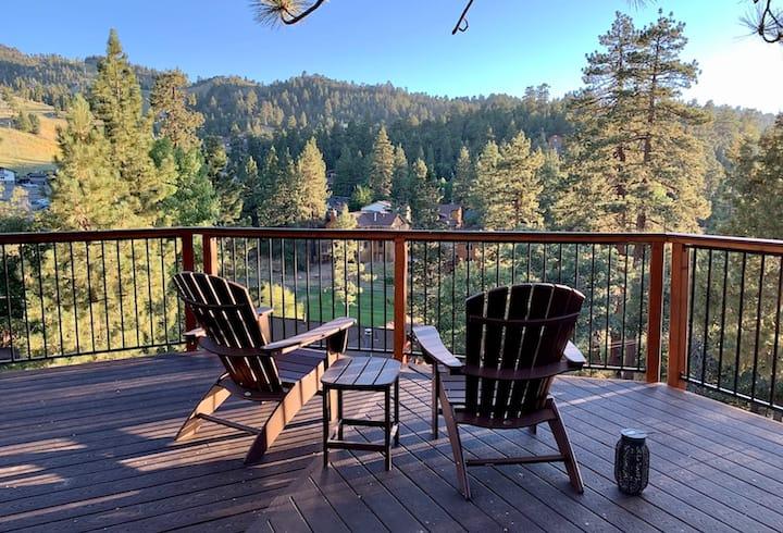 Majestic Pine Retreat-View/Close to Bear Mountain!