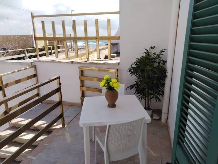 casa vacanze torre lapillo 25 metri dal mare
