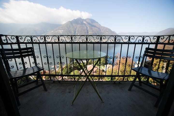 Balcony to the lake with aircon - Faggeto Lario - Apartamento