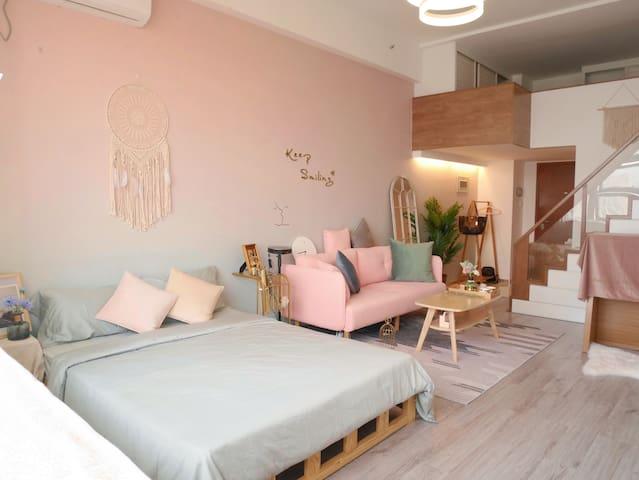 客厅loft挑高结构双大床房
