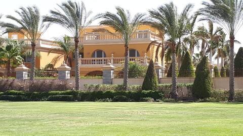 Heliopolis Stella yerleşkesinde kiralık villa