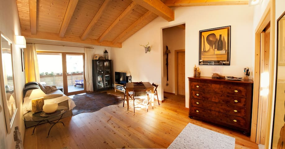 Splendida mansarda in montagna - Nova Levante - Apartment