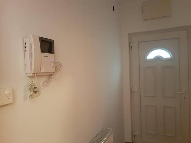 Adna 2 Apartment