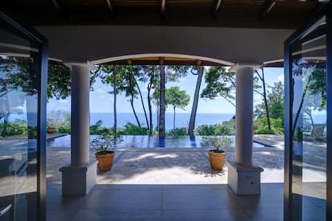 Casa Cecilia: Gem of the Pacific!