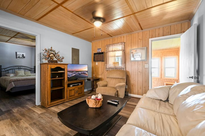 Sand Dollar Cottage East 3 is a pet friendly cottage in the heart of Chincoteague Island..