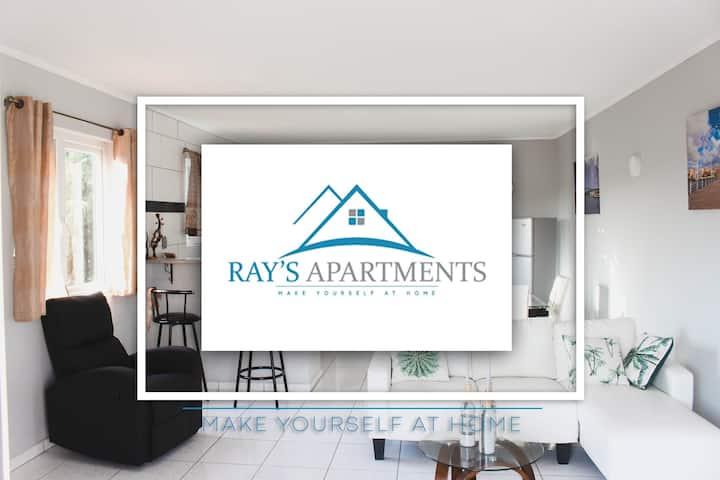 Ray's Apartments 2-4 P