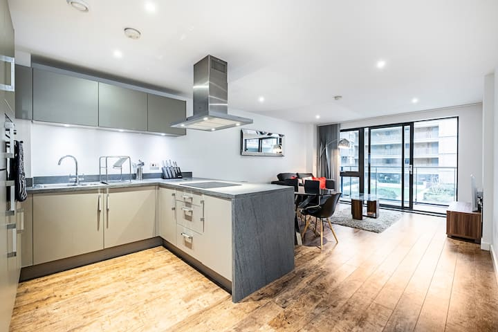 Luxury Apartment Canary Wharf
