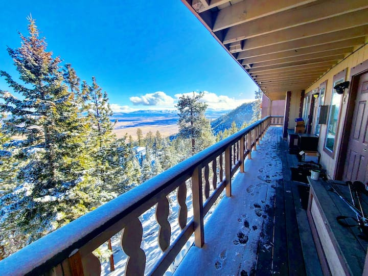 HEAVENLY TAHOE Mountain Top Retreat w/VIEW 3bd/2ba