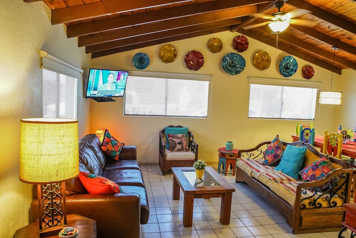 Great Location Downtown,papas&beer 1 mile,AC,WIFI.