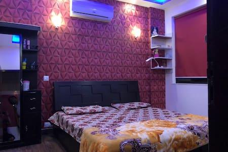 luxurious flat in unitech habitate near expo mart