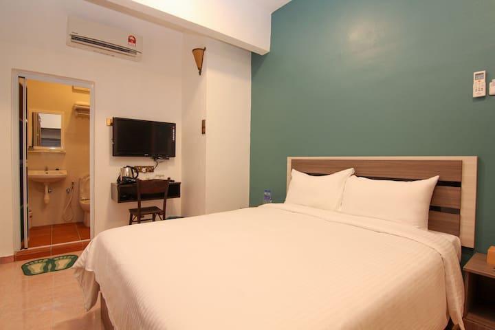 Pearl Inn G012