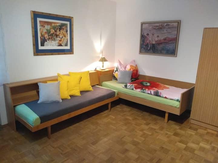 Gut ausgestattetes Apartment im Grünen