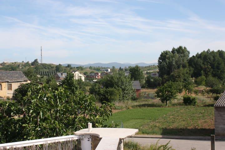 Apartamento en el centro del Bierzo - Camponaraya - Huoneisto