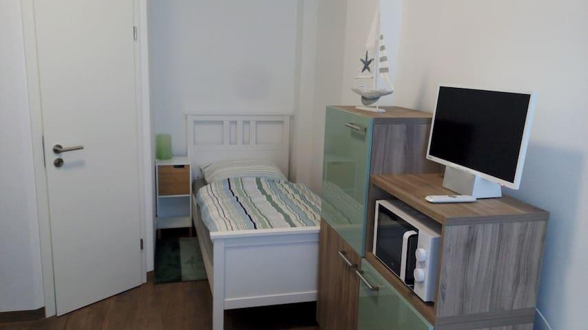 """Zimmer """"Steuerbord"""" für Urlauber,Monteure,Pendler"""