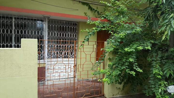 A Traditional Bengali Home in the City of Joy