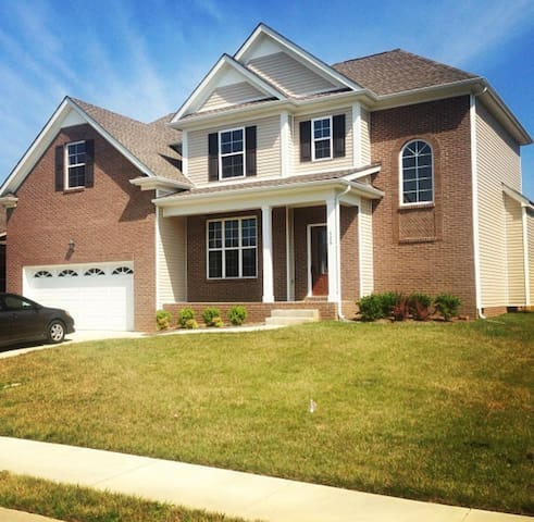 Perfect Home Away From Home in Clarksville