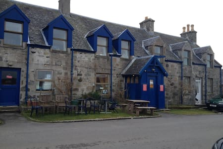 Large, fully-equipped apartment with sea views. - Isle of Coll