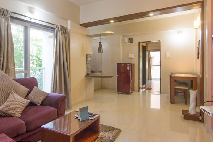 Independent 1BHK Studio Appt (Room Service Avail)