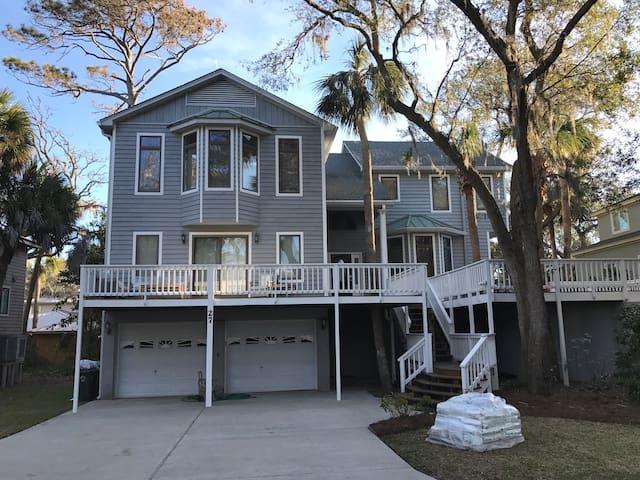 Beautiful Home Near N. Forest Beach - Hilton Head Island