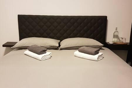 Double bedroom (max 2 guests)