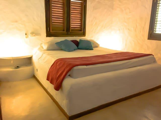 Villa Serenella room 2 close to Punta Popy beach