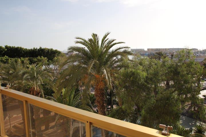 En frente del puerto - Adra - Apartmen