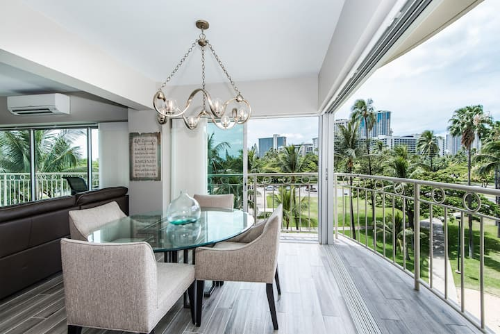 **Professionally Sanitized**Waikiki Shore Renovated 2BD Park Side Villa - Waikiki Shore Beachfront Park Side 2 BDR on the 4th Floor
