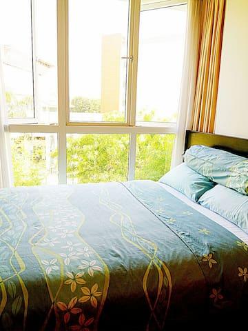 1 min MRT/city area cozy room&pool@Botanic gardens