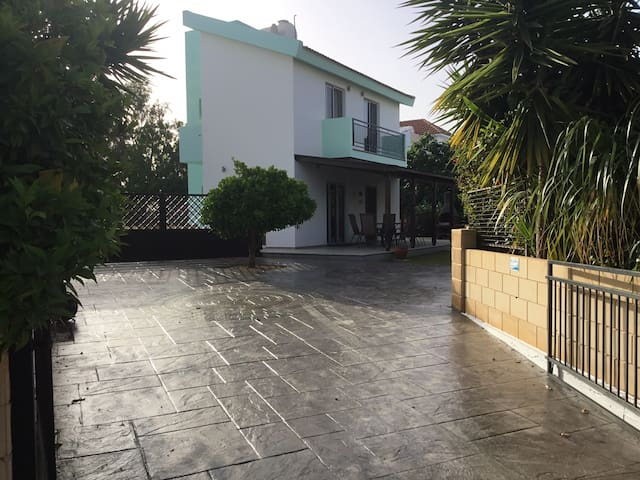 2 Bedroom Rivelin Villa for Summer Rents Cyprus