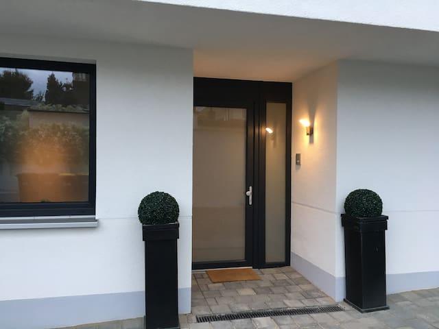 Quiet private room and bathroom in hip Ehrenfeld