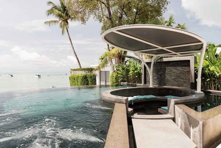 Villa Baan Amandhara at Edge of White-sand Beach