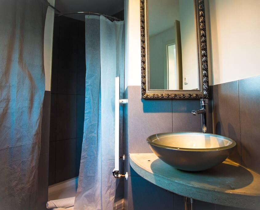 industrieloft 120 qm f r 1 12 personen bungalows zur miete in m lheim an der ruhr nordrhein. Black Bedroom Furniture Sets. Home Design Ideas