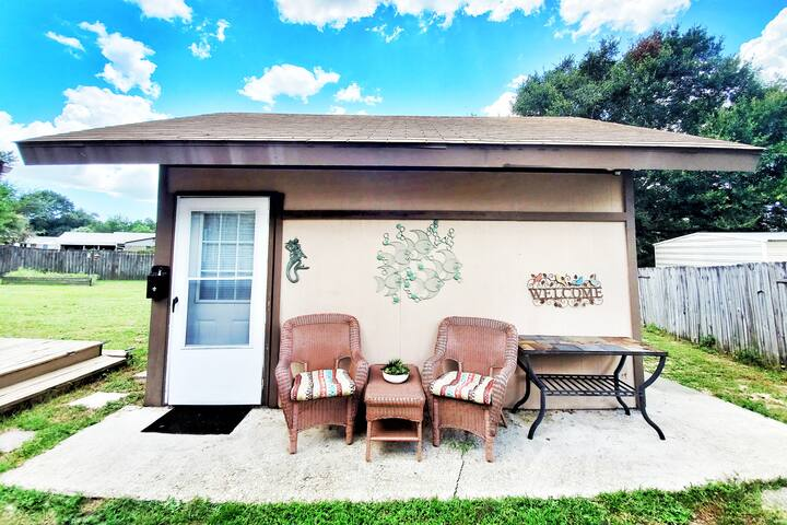 PET FRIENDLY,  Cozy Guest House & Great Reviews!