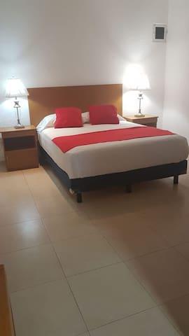 Habitación Privada 2, Buena Ubicacion, Alberca