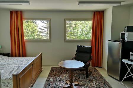 Le Coteau - chambre double avec salle de bain