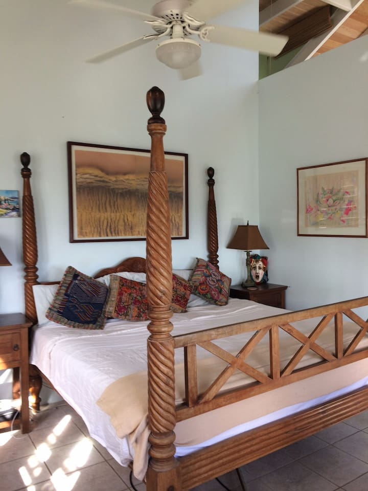 King size four poster bed