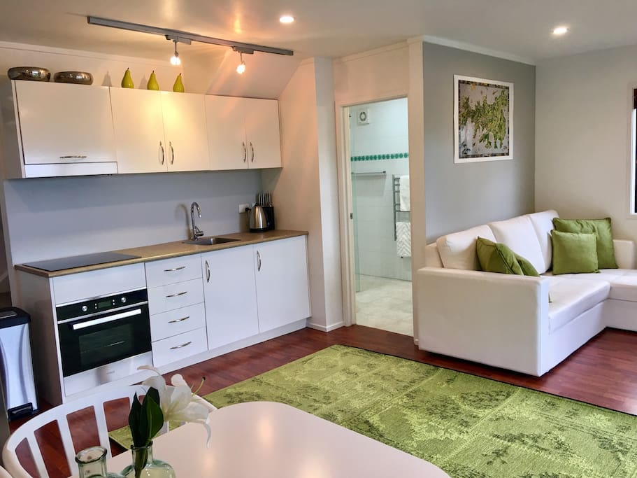 Open plan Lounge Dining with Full Kitchen