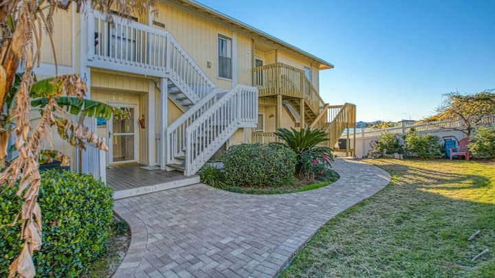 Sandpiper 2023, Free Golf and Activities! Pet-friendly, Walk to Beach
