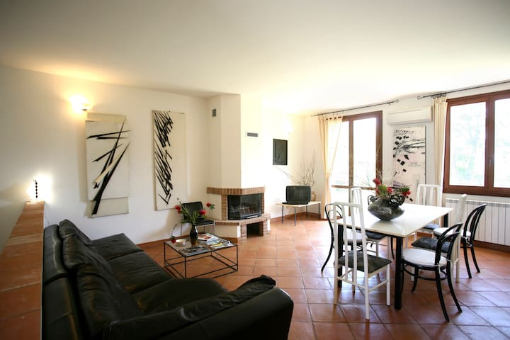 Capalbio-Retreat. Apartment near the sea for 8-10p - Pescia Fiorentina - Daire