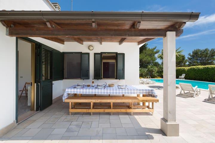 753 Villa con Piscina e Giardino - Maglie - Villa
