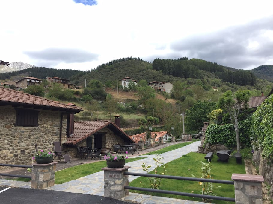 Casa villa 6 8 pax picos de europa cottages for rent in potes cantabria spain - Apartamentos villa de potes ...