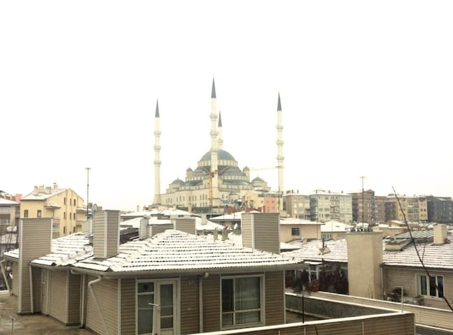 At city center with Kocatepe Mosque view - Çankaya - Ev