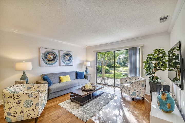2 bedroom, 2 bath 1st floor Island House property is perfect for your Hilton Head vacation.
